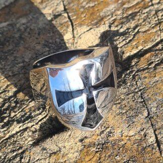 Shiny Crusader Shield Ring